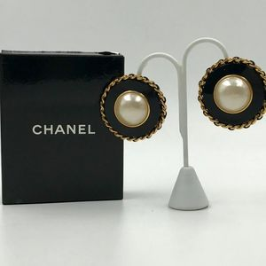 Authentic Chanel Pearl & Black Resin Clip Earrin